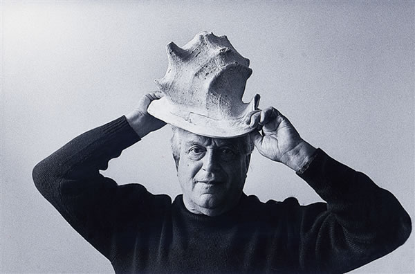 Rafael Alberti with shell